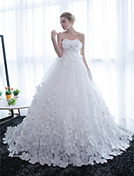 cheap -Ball Gown Wedding Dresses Strapless Chapel Train Satin Tulle Strapless Sparkle & Shine with Crystals Flower 2021