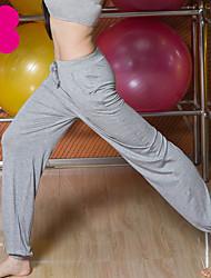 Недорогие -Жен. Гарем Карман Штаны для йоги Сплошной цвет Модал Zumba Бег Фитнес Панталоны Спортивная одежда Легкость Дышащий Мягкий 4-сторонняя растяжка Эластичность Свободный силуэт