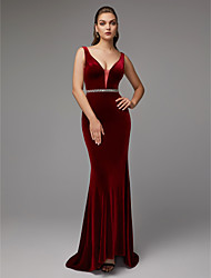 cheap -Mermaid / Trumpet Plunging Neck Sweep / Brush Train Velvet Elegant & Luxurious / Elegant Formal Evening / Black Tie Gala Dress with Beading 2020