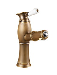 cheap -Bathroom Sink Faucet - Pullout Spray Antique Brass Centerset One Hole / Single Handle One HoleBath Taps