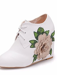 cheap -Women's Lace / PU(Polyurethane) Spring &  Fall Sweet Wedding Shoes Wedge Heel Round Toe Booties / Ankle Boots Rhinestone / Satin Flower White