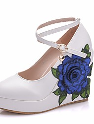 cheap -Women's Lace / PU(Polyurethane) Spring &  Fall Sweet Wedding Shoes Wedge Heel Round Toe Rhinestone / Satin Flower / Buckle White / Blue