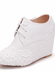 cheap -Women's Lace / PU(Polyurethane) Spring &  Fall Sweet Wedding Shoes Wedge Heel Round Toe Booties / Ankle Boots Imitation Pearl / Satin Flower White