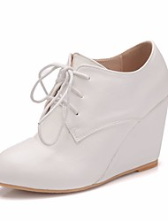 cheap -Women's PU(Polyurethane) Spring &  Fall Sweet Wedding Shoes Wedge Heel Round Toe Booties / Ankle Boots White
