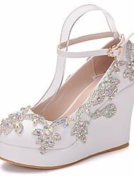 cheap -Women's PU(Polyurethane) Spring &  Fall Sweet Wedding Shoes Wedge Heel Round Toe Rhinestone / Buckle White / Rainbow