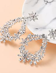 abordables -Femme Blanc Zircon Boucle d'Oreille Pendantes Géométrique Mode Imitation Diamant Des boucles d'oreilles Bijoux Argent Pour Mariage Vacances 1 paire