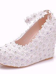 cheap -Women's Lace / PU(Polyurethane) Spring &  Fall Sweet Wedding Shoes Wedge Heel Round Toe Rhinestone / Buckle White
