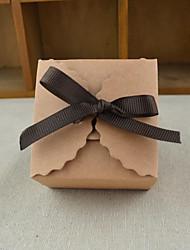 Недорогие -Кубик Крафт-бумага Фавор держатель с Волнообразный Подарочные коробки - 100шт