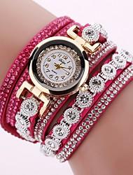 Недорогие -Жен. Кварцевые Diamond Watch На каждый день Мода Черный Красный Фуксия Искусственная кожа Китайский Кварцевый Серый Лиловый Персиковый Повседневные часы Имитация Алмазный 1 ед. Аналоговый / Один год