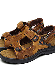 cheap -Men's Comfort Shoes Cowhide Summer / Spring & Summer Sporty / Casual Sandals Breathable Brown / Outdoor