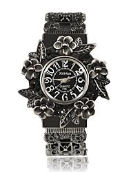 Недорогие -Жен. Часы-браслет Кольцеобразный Скелет Коричневый сплав Китайский Кварцевый Белый Черный Красный С гравировкой Повседневные часы Cool Аналоговый