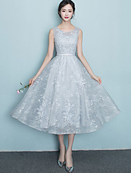 cheap -A-Line Jewel Neck Tea Length Lace Bridesmaid Dress with Appliques