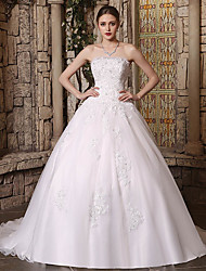 cheap -Ball Gown Strapless Chapel Train Lace / Tulle Strapless Wedding Dresses with Lace / Buttons / Beading 2020