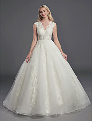 cheap -Ball Gown Wedding Dresses V Neck Court Train Lace Organza Sleeveless Sexy See-Through Backless with Lace Beading 2020
