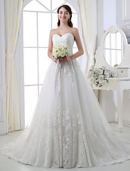 cheap -A-Line Sweetheart Neckline Chapel Train Lace / Tulle Strapless Wedding Dresses with Lace / Buttons / Appliques 2020