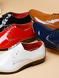 cheap -Men's Dress Shoes Derby Shoes Spring / Summer / Fall Business / British Daily Party & Evening Office & Career Oxfords Patent Leather Non-slipping Wear Proof Red / Blue / White / Winter