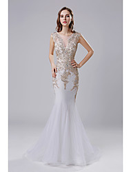 cheap -Mermaid / Trumpet Illusion Neck Court Train Tulle Elegant / Vintage Inspired Formal Evening Dress with Appliques / Crystals 2020