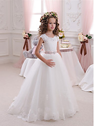 cheap -Ball Gown Sweep / Brush Train Wedding / Birthday / First Communion Flower Girl Dresses - Cotton / Lace / Tulle Cap Sleeve Scalloped Neckline with Bow(s) / Beading / Appliques