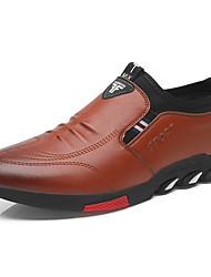Недорогие -Муж. Комфортная обувь Кожа Весна лето На каждый день Мокасины и Свитер Дышащий Черный / Коричневый / Офис и карьера