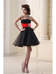 cheap -A-Line Strapless Short / Mini Organza Hot / Black Cocktail Party / Homecoming Dress with Crystals 2020
