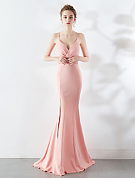 cheap -Mermaid / Trumpet Spaghetti Strap / Plunging Neck Sweep / Brush Train Satin Elegant & Luxurious / Furcal Formal Evening Dress with Beading / Split Front 2020
