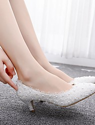cheap -Women's Wedding Shoes Low Heel Pointed Toe Imitation Pearl / Satin Flower PU(Polyurethane) Vintage / Minimalism Spring & Summer / Fall & Winter White / Rainbow / Party & Evening