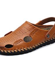 Недорогие -Муж. Комфортная обувь Наппа Leather Лето / Весна лето На каждый день Сандалии Дышащий Черный / Синий / Коричневый