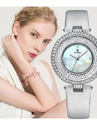 Недорогие -Жен. Нарядные часы Японский Японский кварц Стильные Натуральная кожа Черный / Белый 30 m Повседневные часы Аналоговый Мода Элегантный стиль - Белый Синий Два года Срок службы батареи