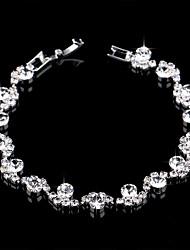 abordables -Bracelets Tennis Rivière de Diamants Bracelet Femme Rivière de Diamants Imitation Diamant Fleur simple Européen Mode Elégant Bracelet Bijoux Argent pour Mariage Soirée Fiançailles Cadeau Quotidien