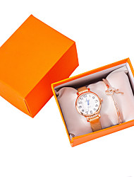 cheap -Women's Quartz Watches New Arrival Elegant Gold PU Leather Chinese Quartz Gold Chronograph Cute New Design 2pcs Analog One Year Battery Life