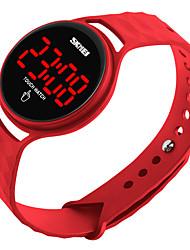 Недорогие -skmei мужчины женщины спорт на открытом воздухе случайные водонепроницаемые цифровые электронные часы с простым дизайном сенсорный экран светодиодный дисплей календарь дата наручные часы