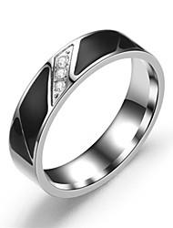 Недорогие -Муж. Жен. Кольцо 1шт Серебряный Нержавеющая сталь Титан Круглый Классический Мода Подарок Повседневные Бижутерия Cool