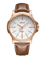 Недорогие -Муж. Нарядные часы Кварцевый Стильные Кожа 30 m Защита от влаги Аналоговый Мода - Черный / коричневый Черно-белый Белый / Бежевый Два года Срок службы батареи