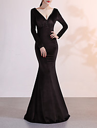 cheap -Mermaid / Trumpet Plunging Neck Sweep / Brush Train Velvet Elegant & Luxurious / Elegant Formal Evening Dress with Beading 2020