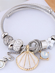 abordables -Breloque Charms Bracelet Bracelet Jonc Bracelet Femme Perles Imitation Diamant Coquillage Européen Doux Mode Elégant Bracelet Bijoux Noir Blanche Bleu pour Mariage Soirée Cadeau Quotidien Fête