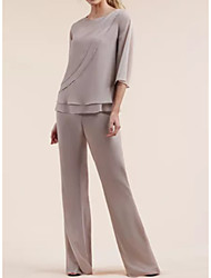 cheap -Pantsuit / Jumpsuit Mother of the Bride Dress Plus Size Jewel Neck Floor Length Chiffon Half Sleeve with Tier 2020