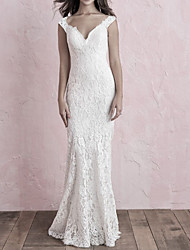 cheap -Mermaid / Trumpet V Neck Sweep / Brush Train Lace Spaghetti Strap Made-To-Measure Wedding Dresses with Buttons / Lace Insert 2020