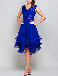 cheap -A-Line V Neck Asymmetrical Chiffon Hot / Blue Cocktail Party / Wedding Guest Dress with Tier 2020