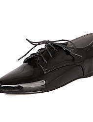 cheap -Women's Oxfords Flat Heel Pointed Toe Patent Leather Casual Spring &  Fall Black / White / Burgundy