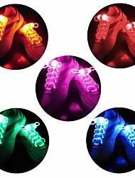 Недорогие -Brelong 1 пара светодиодные загораются шнурки случайные кроссовки водонепроницаемые пластиковые шнурки для вечеринок Хэллоуин вечеринка диско танцы хип-поп-бег украшения