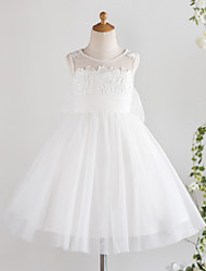 cheap -Princess Knee Length Wedding / First Communion / Birthday Flower Girl Dresses - Lace / Tulle Sleeveless Jewel Neck with Bows / Feathers / Fur / Appliques