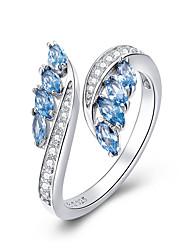 abordables -Nouvelle collection 925 argent sterling papillon forme bleu clair cz bagues pour les femmes bijoux de fiançailles de mariage bsr27005
