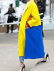 abordables -Femme Quotidien Automne hiver Longue Manteau, Bloc de Couleur Col roulé Manches Longues Polyester Jaune