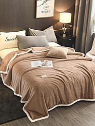 abordables -Couvertures de lit / Couvertures Multifonctionnelles, Ville / Couleur unie Polyester / Velours Réchauffeur Confortable couvertures