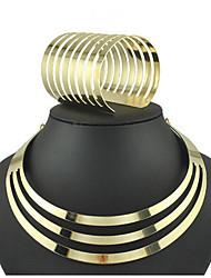 Недорогие -Жен. Свадебные комплекты ювелирных изделий Старинный Вертикальная Винтаж Серьги Бижутерия Золотой Назначение Праздники 1 комплект