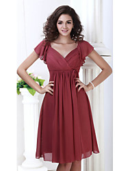 cheap -A-Line V Neck Knee Length Chiffon Short Sleeve Plus Size Mother of the Bride Dress with Pleats 2020