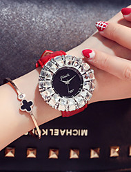 cheap -Women's Quartz Watches Quartz Luxury Chronograph PU Leather Black / White / Red Analog - White Black Red Two Years Battery Life / Japanese / Imitation Diamond / Large Dial / Japanese