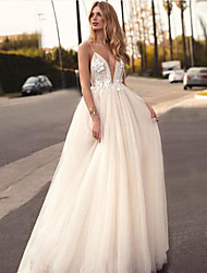 cheap -A-Line V Neck Court Train Tulle Spaghetti Strap Beach Sexy / Beautiful Back Made-To-Measure Wedding Dresses with Appliques 2020