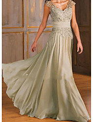 cheap -A-Line Open Back Formal Evening Dress Plunging Neck Sleeveless Sweep / Brush Train Chiffon Lace with Lace Insert 2021