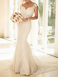 cheap -Mermaid / Trumpet Wedding Dresses V Neck Sweep / Brush Train Lace Regular Straps Glamorous Sexy Sparkle & Shine with Buttons Appliques 2021